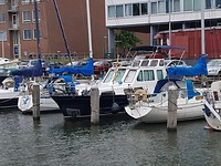 Boot in jachthaven Aeolus Amsterdam