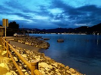 Lago Iseo by night