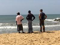 Aan het strand van Ngombo.