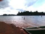 Zwemmen in het Brokopondomeer.