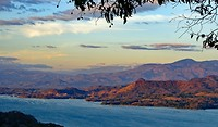 Laguna bij Suchitoto