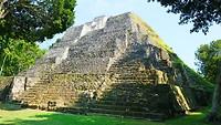 Maya ruine  Yaxha