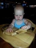 Esmée ontleedt een krokodil