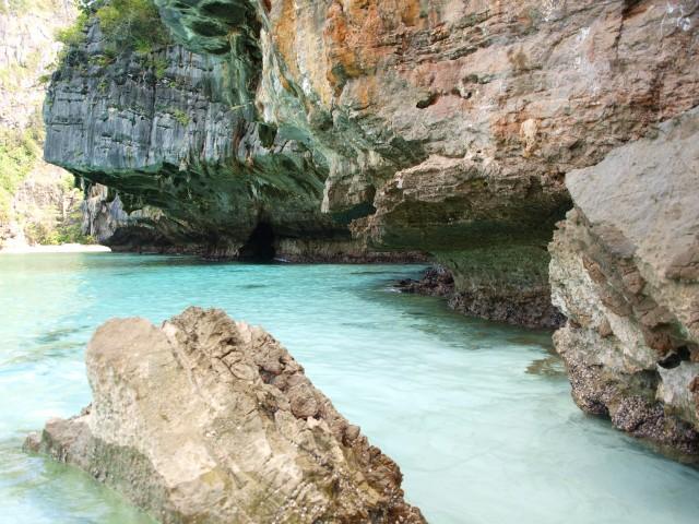 Zo helder was het water en zo wit het zand bij Maya Bay