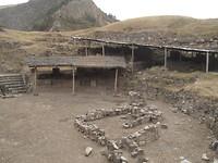 Een ander deel van de opgraving. Ook een plek waar rituele bijeen komsten plaatsvonden.
