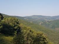 Alto de poio : eens op de top aan de  Cebreiro opent zich het dal aan de andere zijde van de berg