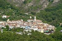 Het 'doorsnee' Toscaanse dorpje Antona ligt prachtig tegen de bergwand aan
