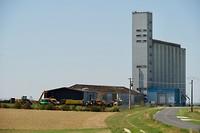 Veel van dit soort silo's in het Franse land, doet aan Kansas denken