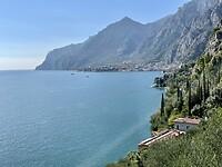 In de bocht ligt Limone sul Garda
