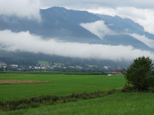 De Alpen in de wolken