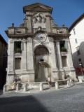 Fontein op piazza del mercato