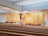 Enorme grote kerk voor duizenden pelgrims