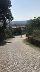 Veel wegen met dit soort stenen in Portugal