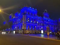 's Avonds is het Casino mooi verlicht.
