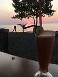 Zonsondergang op Lovina beach