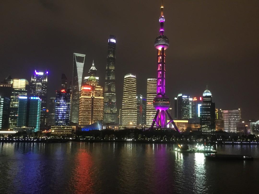 Shanghai. Zicht vanaf het schip