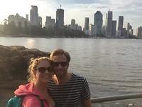 Skyline va Brisbane River