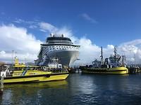 Twee cruiseschepen lagen in de haven