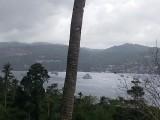 Tijdens bergrit zicht op Ambonbaai