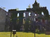 Ruine van een oud ziekenhuis