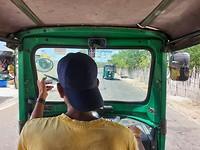 Tuktuk tour op Nainativu eiland