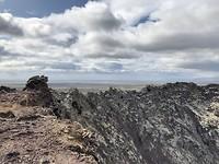 Uitzicht vanaf de krater rand