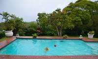 En dan een duik in ons zwembad!
