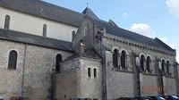 De Abdijkerk Notre Dame in Beaugency waar de concilie werd gehouden in de 12e eeuw