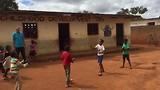 Beach spel op Samalani school.