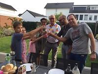 Een toast op ons allemaal en de pensionado in het bijzonder