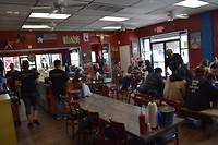 Binnen bij Big John's Texas Barbeque.