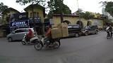 Hanoi - brommer met lading