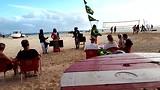 Optreden strand tijdens cocktail