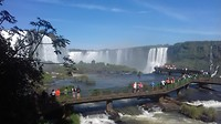 Braziliaanse kant. Iguazu cataratas. Loopbrug