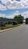 De Loire en de poort waar we onderdoor fietsten net voor Vendome