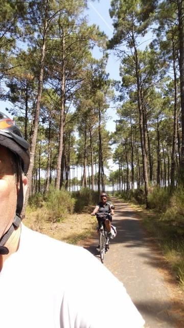 op het fietspad door het bos naar Vieux boucau les bains