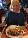 Angela eet kikkervlees