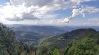 Tussen Mae Hong Son en Pai, prachtig uitzicht op de groene bergen
