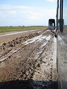 Hevige regens zorgen voor overlast op toch al slechte weg