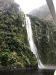 Deze waterval zou je kunnen herkennen uit de lord of the rings films!