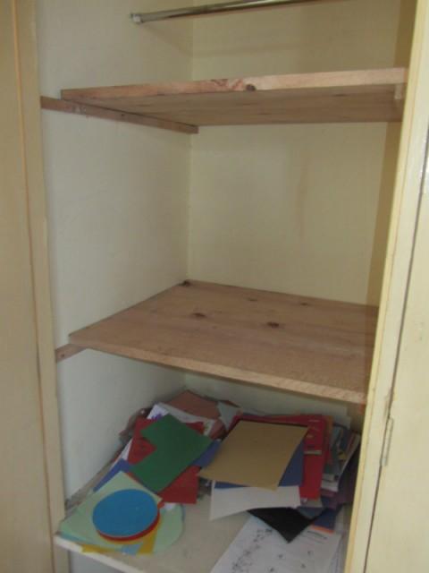 Nieuwe planken in de kast foto jildau 39 s stage in tanzania - Planken maken in een kast ...