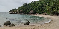 Een mooi afgelegen strand