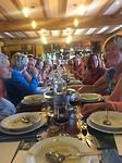 Met 80 mensen aan het diner