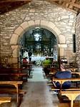 Binnen in het kapelletje in Sarria.