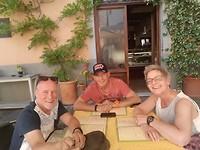 Heerlijk lunchen met Monique en Ruud op een Italiaanse piazza