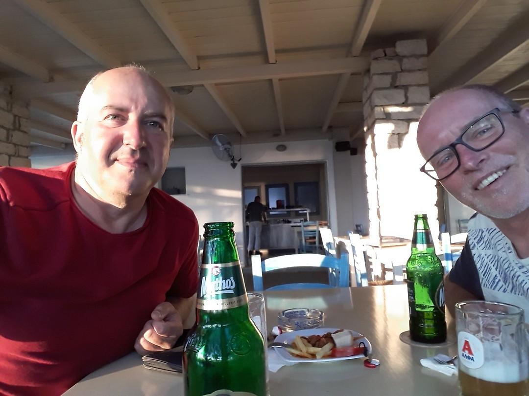 Michel en ik aan het bier