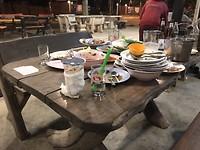 Dag 9: Tafel in het restaurant naast onze