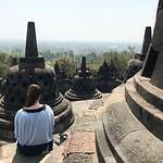 Quint bij de Borobudur
