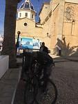 Op de 🚲 naar de kerk in Altea, was een hele klim maar........ terug vlogen we