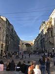Één van de mooie zijstraten aan de Nevsky Prospect